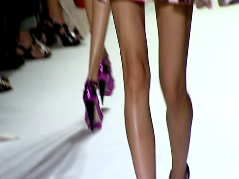 london fashion week s/s 2010 / anamorphic at the nathan jenden london fashion week s/s 2010 at london england - anamorphic stock videos & royalty-free footage