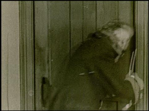 vídeos de stock e filmes b-roll de nathaniel hawthorne - 10 of 13 - veja outros clipes desta filmagem 2229