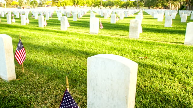 us national cemetery - us memorial day stock videos & royalty-free footage
