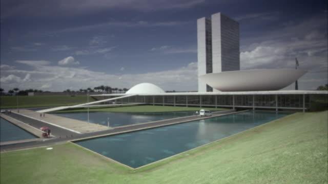 ws, national congress , brasilia, brazil - oscar niemeyer stock videos and b-roll footage