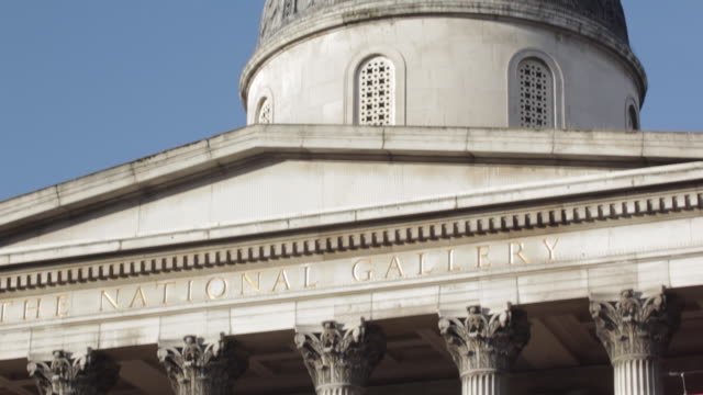 national gallery, trafalgar square, westminster, london, england, uk - colonna architettonica video stock e b–roll