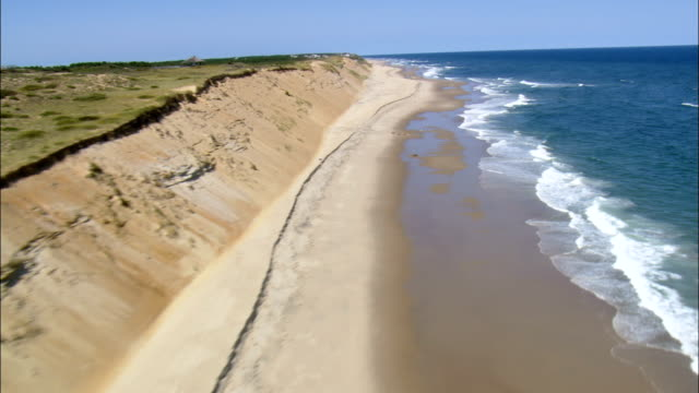 national seashore near wellfleet  - aerial view - massachusetts,  barnstable county,  united states - riva dell'acqua video stock e b–roll