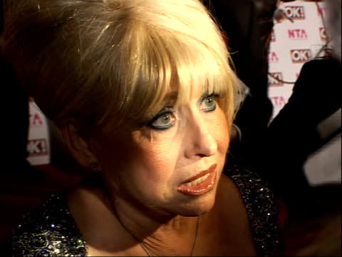 national television awards 2008: red carpet arrivals and backstage; barbara windsor interview sot - on the awards show / can't comment on the russell... - seifenoper stock-videos und b-roll-filmmaterial