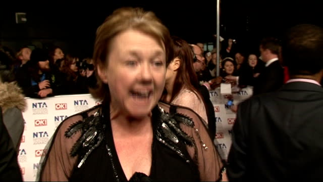 vídeos de stock e filmes b-roll de national television awards 2012: red carpet arrivals and celebrity interviews; pauline quirke interview sot - sad doing leaving scenes / been on... - 18 23 months
