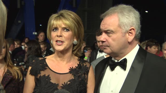 stockvideo's en b-roll-footage met chyron national television awards at 02 arena on january 21 2015 in london england - eamonn holmes