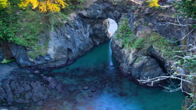 stockvideo's en b-roll-footage met natural bridges op de kust van oregon - oregon coast