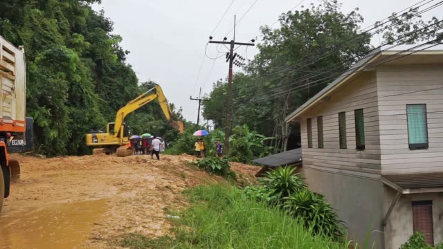natural disaster landslide flooding residential homes - verlust stock-videos und b-roll-filmmaterial
