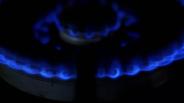 natural gas herd ring brennen - flamme stock-videos und b-roll-filmmaterial