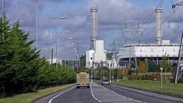 vídeos y material grabado en eventos de stock de natural gas fired power station - northamptonshire