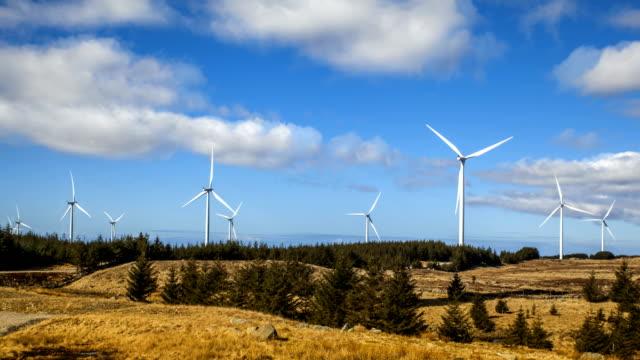 vidéos et rushes de nature-scape cinemagraphs - wind turbines in norway - cinémagraphie