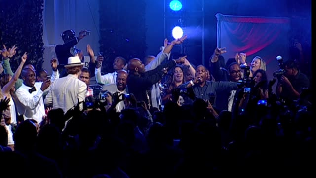 performance naughty by nature at 15th annual art for life gala at fairview farms on july 26 2014 in bridgehampton new york - bridgehampton stock videos & royalty-free footage