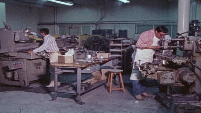 stockvideo's en b-roll-footage met navajo factory workers - meer dan 20 seconden