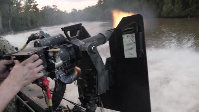 naval special warfare combatant craft crewmen operating and training in mississippi and san diego - segelmannschaft stock-videos und b-roll-filmmaterial