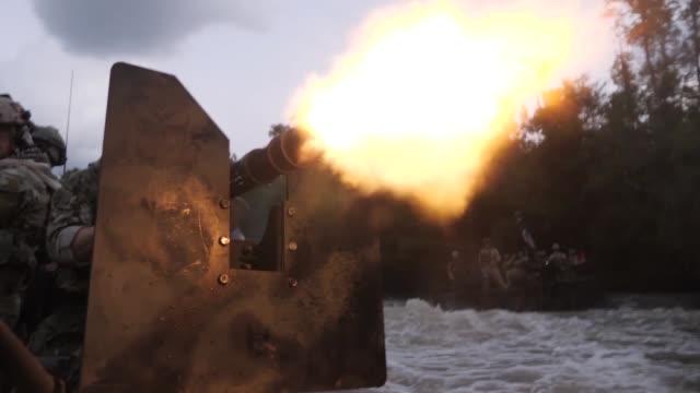 vídeos y material grabado en eventos de stock de naval special warfare combatant craft crewmen operating and training in mississippi and san diego - equipo de vela