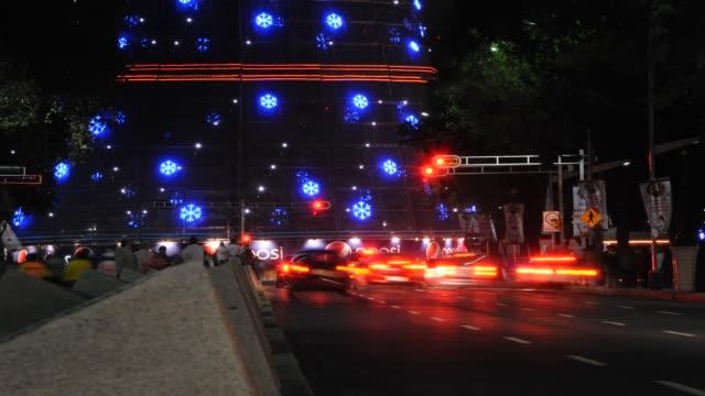 vídeos de stock, filmes e b-roll de navidad ciudad de mexico - árbol de navidad