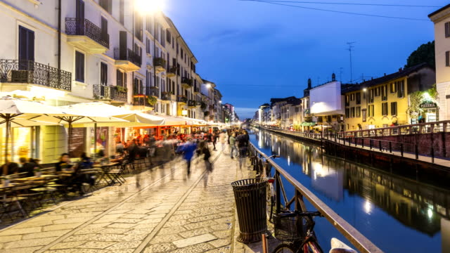 naviglio grande in mailand, time lapse - vita cittadina video stock e b–roll