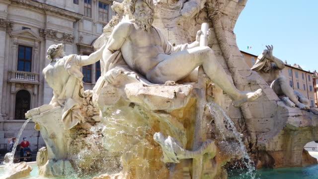 piazza navona nel centro di roma - monumento video stock e b–roll