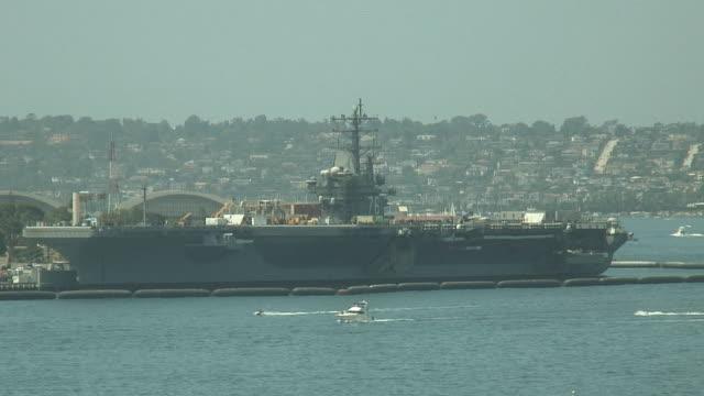 (HD1080i) marine Porte-avions amarrés à San Diego