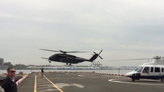 a navy ch53 helicopter departs from the downtown manhattan heliport as part of fleet week new york may 23 fwny now in its 29th year is the city's... - hubschrauber landeplatz stock-videos und b-roll-filmmaterial