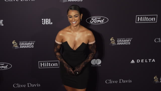 vidéos et rushes de nazanin mandi at the recording academy and clive davis' 2020 pregrammy gala at the beverly hilton hotel on january 25 2020 in beverly hills california - grammy awards