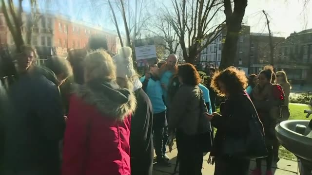 protest march in north london people gathered before the march - nazanin zaghari ratcliffe video stock e b–roll