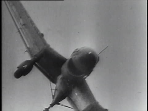 stockvideo's en b-roll-footage met nazi bombers attack france during world war ii. - tweede wereldoorlog