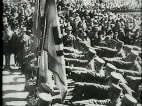 nazi soldiers parade in nuremberg. - ナチズム点の映像素材/bロール