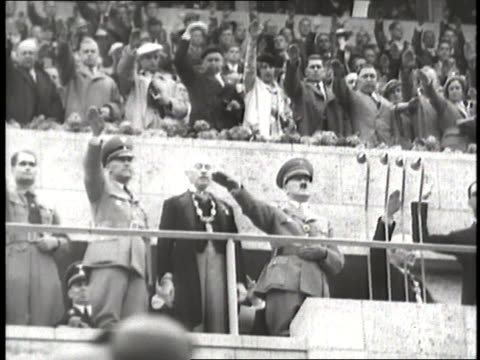 stockvideo's en b-roll-footage met nazis, including adolf hitler and rudolf hess, salute at the olympic games in berlin. - nazism