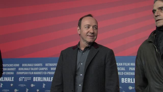 neal dodson zachary quinto paul bettany kevin spacey jeremy irons jc chandor at the 61st berlin film festival margin call press conference at berlin - zachary quinto stock videos and b-roll footage