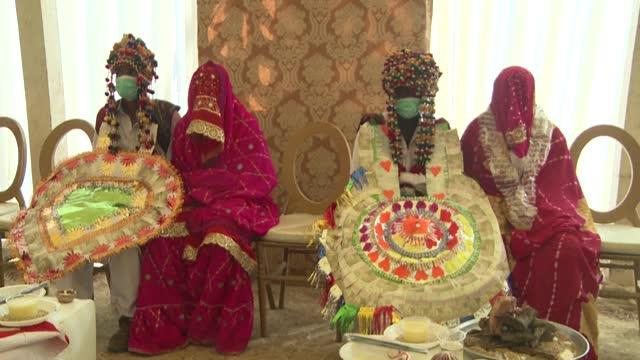 PAK: Pakistan Hindus tie the knot in mass wedding