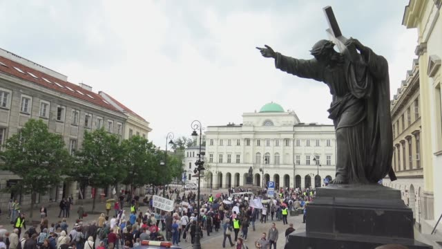 nearly a thousand people including those with physical disabilities marched from the presidential palace to the polish parliament on may 23 2019 in... - persons with disabilities stock videos & royalty-free footage