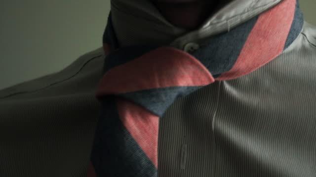 neck tie - krawatte stock-videos und b-roll-filmmaterial