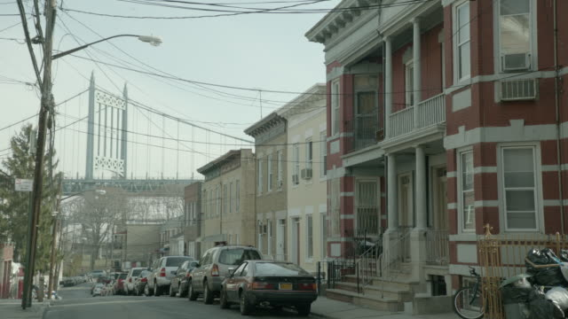 vídeos de stock, filmes e b-roll de ms a neighborhood in queens / new york city, new york - queens new york city