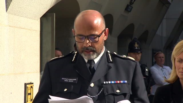 neil basu of the metropolitan police saying certain things could have been done differently outside the inquest for the london bridge terror attacks - inquest stock videos and b-roll footage