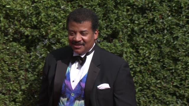 neil degrasse tyson at the 2015 creative arts emmy awards at microsoft theater on september 12 2015 in los angeles california - emmy awards stock-videos und b-roll-filmmaterial