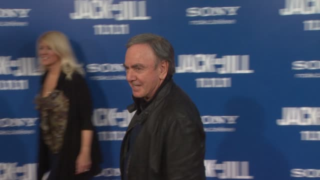 neil diamond at the 'jack and jill' world premiere at westwood ca - ウェストウッド地区点の映像素材/bロール