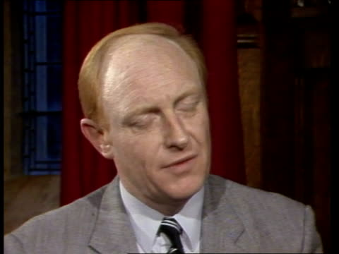 stockvideo's en b-roll-footage met neil kinnock backgrounder london intvwsof one of the tests course intvwsof the constitution of isolated cms andrew alexander intvwsof oh i think the... - andrew neil