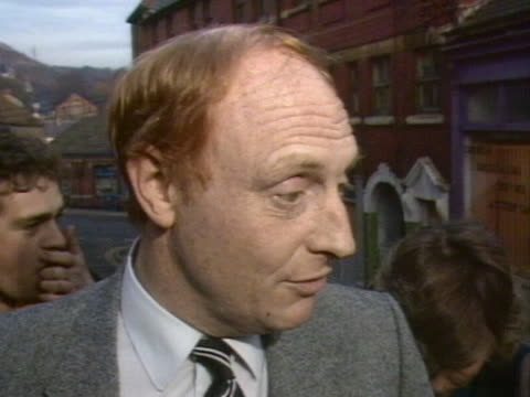stockvideo's en b-roll-footage met neil kinnock explains why he hasn't been to a number of miners rallies during the strike - neil kinnock