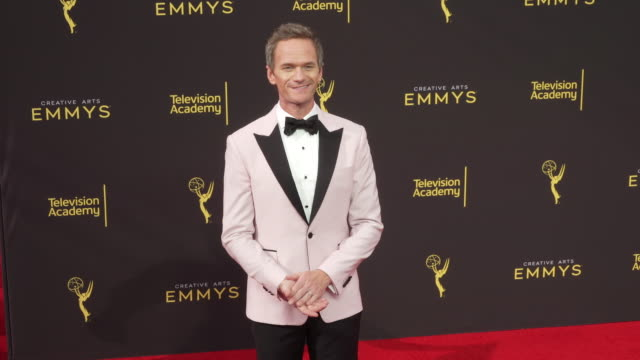 neil patrick harris at the 2019 creative arts emmy awards - day 2 at microsoft theater on september 15, 2019 in los angeles, california. - ニール・パトリック・ハリス点の映像素材/bロール
