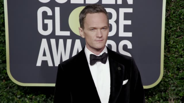 neil patrick harris at the 75th annual golden globe awards at the beverly hilton hotel on january 07, 2018 in beverly hills, california. - ニール・パトリック・ハリス点の映像素材/bロール