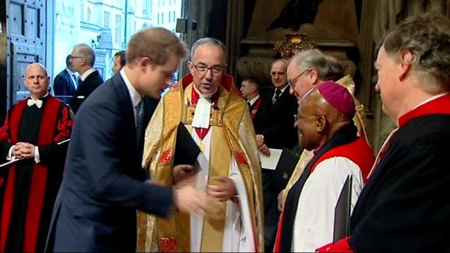 vídeos de stock, filmes e b-roll de nelson mandela memorial service held at westminster abbey england london westminster abbey int **music heard sot** photography** prince harry shaking... - desmond tutu
