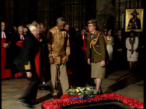 nelson mandela state visit: day 1:; uk pool england: london lms mandela standing as two soldiers lay wreath on the tomb of the unknown soldier & he... - tomb stock videos & royalty-free footage
