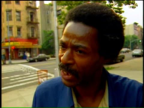 nelson mandela visits new york city harlem residents react to nelson mandela's visit on june 21 1990 in new york new york - racial segregation stock videos & royalty-free footage