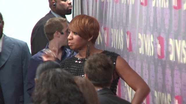 nene leakes at the 2009 vh1 divas red carpet at new york ny - vh1 divas stock videos and b-roll footage