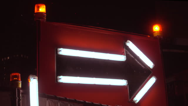 Luz de neón de flecha 4 K