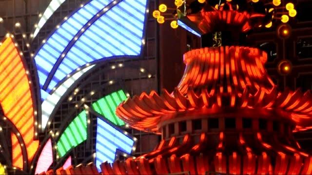 vidéos et rushes de néons hôtel casino à macao - macao