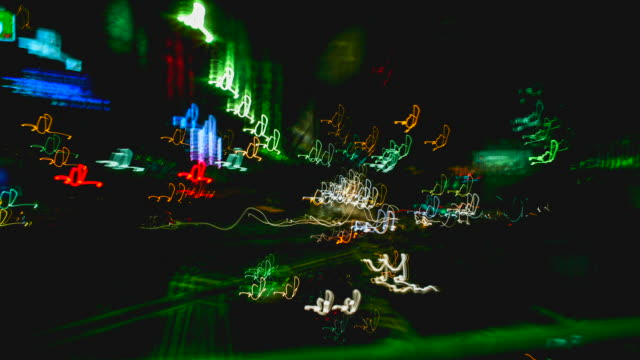neon lights of tokyo city - フィルムモンタージュ点の映像素材/bロール