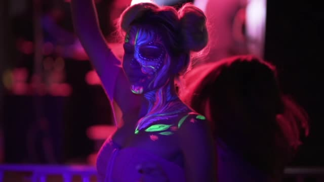 neon party - fluorescent stock videos & royalty-free footage