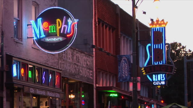 ms neon signs on beale street, memphis, tennessee, usa - memphis tennessee stock videos & royalty-free footage