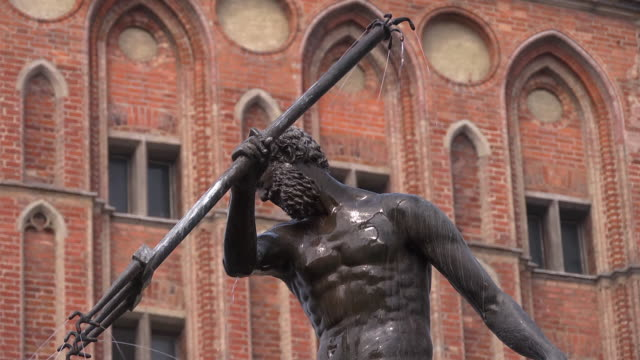 c/u neptune fountain at long market - eastern european culture stock videos & royalty-free footage